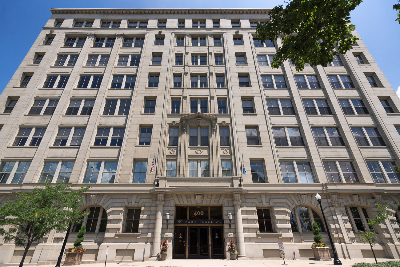 The building itself was built in 1905. Over the ensuing century, it was home to printing, manufacturing, offices, and more. In 2004, the Miller Valentine Group and Greiwe Development Group transformed the building into the collection of condos it is today. Park Place at Lytle opened its doors to residents in 2006. ADDRESS: 400 Pike Street (45202) / Image: Phil Armstrong, Cincinnati Refined // Published: 7.31.18