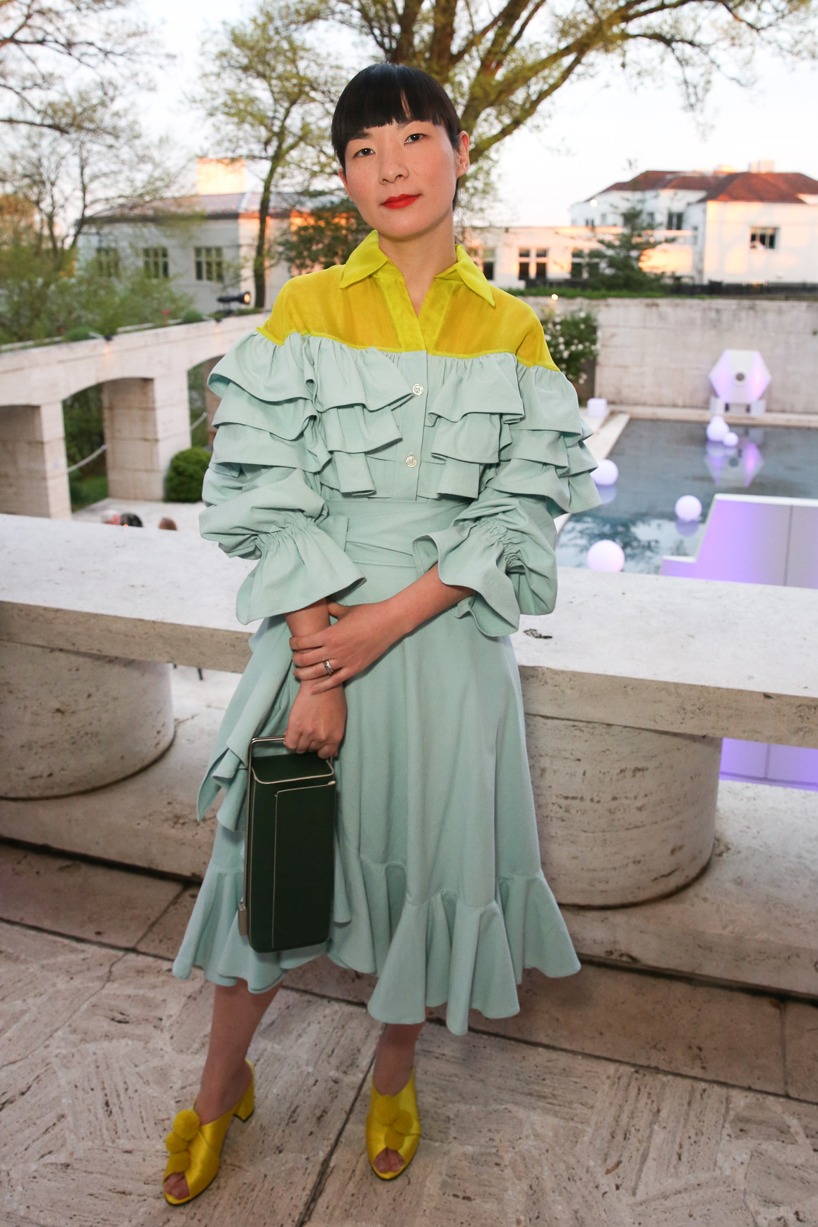 Monling Lee looked spot on and perfectly color blocked in this bright frock and coordinated shoes. (Image: Amanda Andrade-Rhoades/DC Refined)