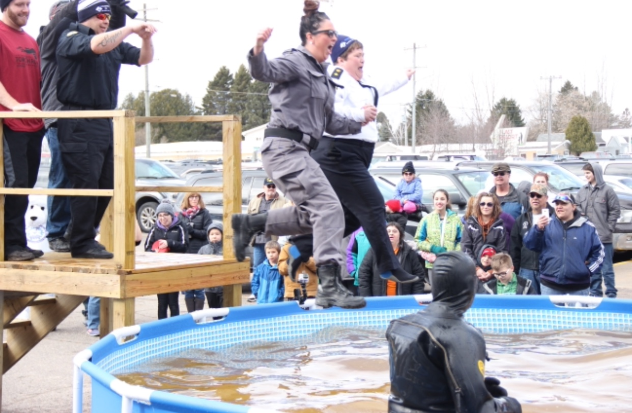 Law enforcement and residents of both Sault Ste. Marie, Michigan and Sault Ste. Marie, Ontario participated in this year's plunge. (Photo Courtesy: Heather Fox)