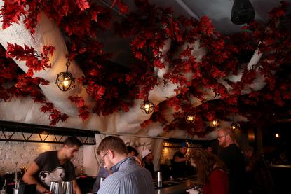 Dc Christmas Pop Up Bar.Drink And Know Things At The Game Of Thrones Pop Up Bar