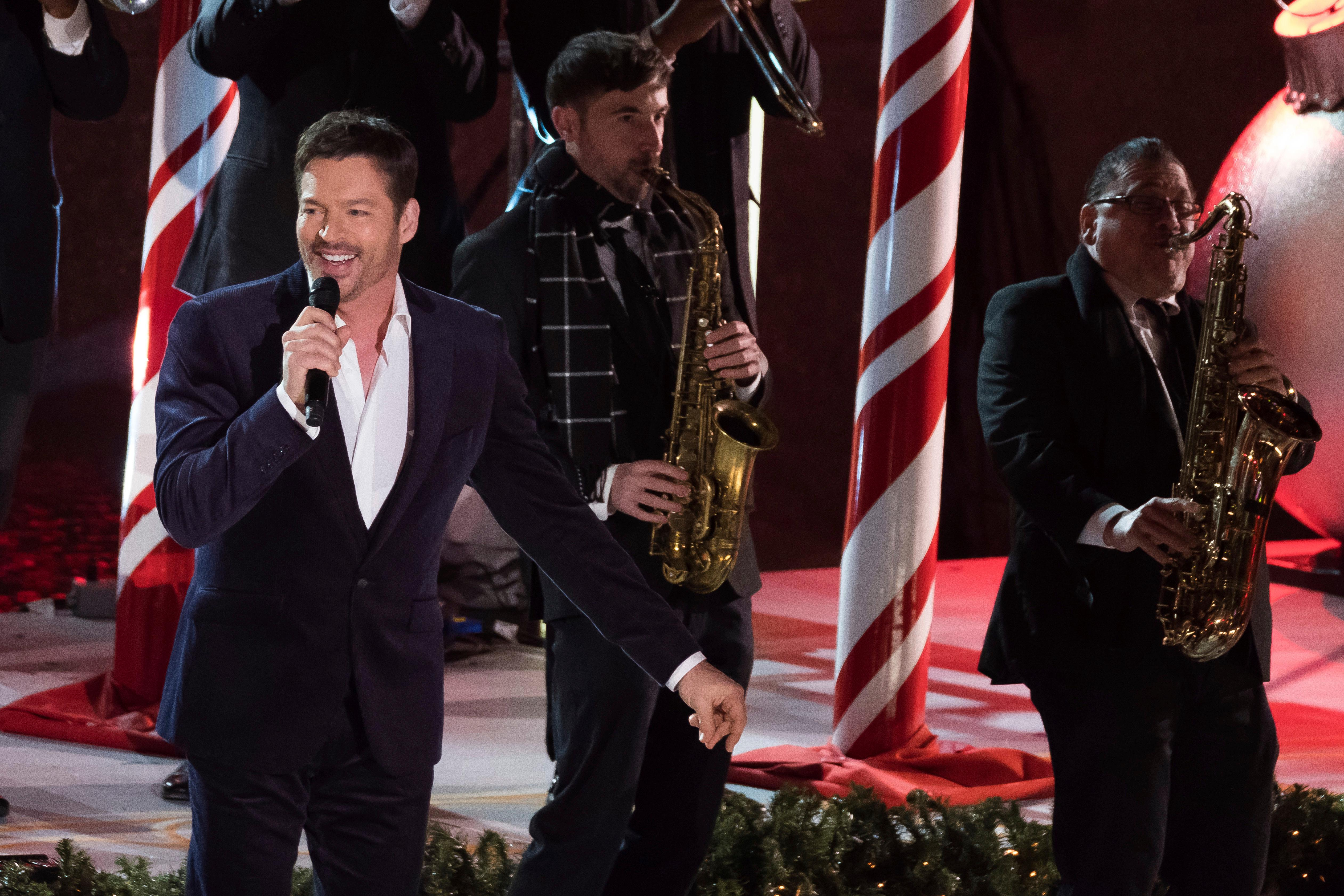 Harry Connick Jr Performs During The 85Th Annual Rockefeller Center