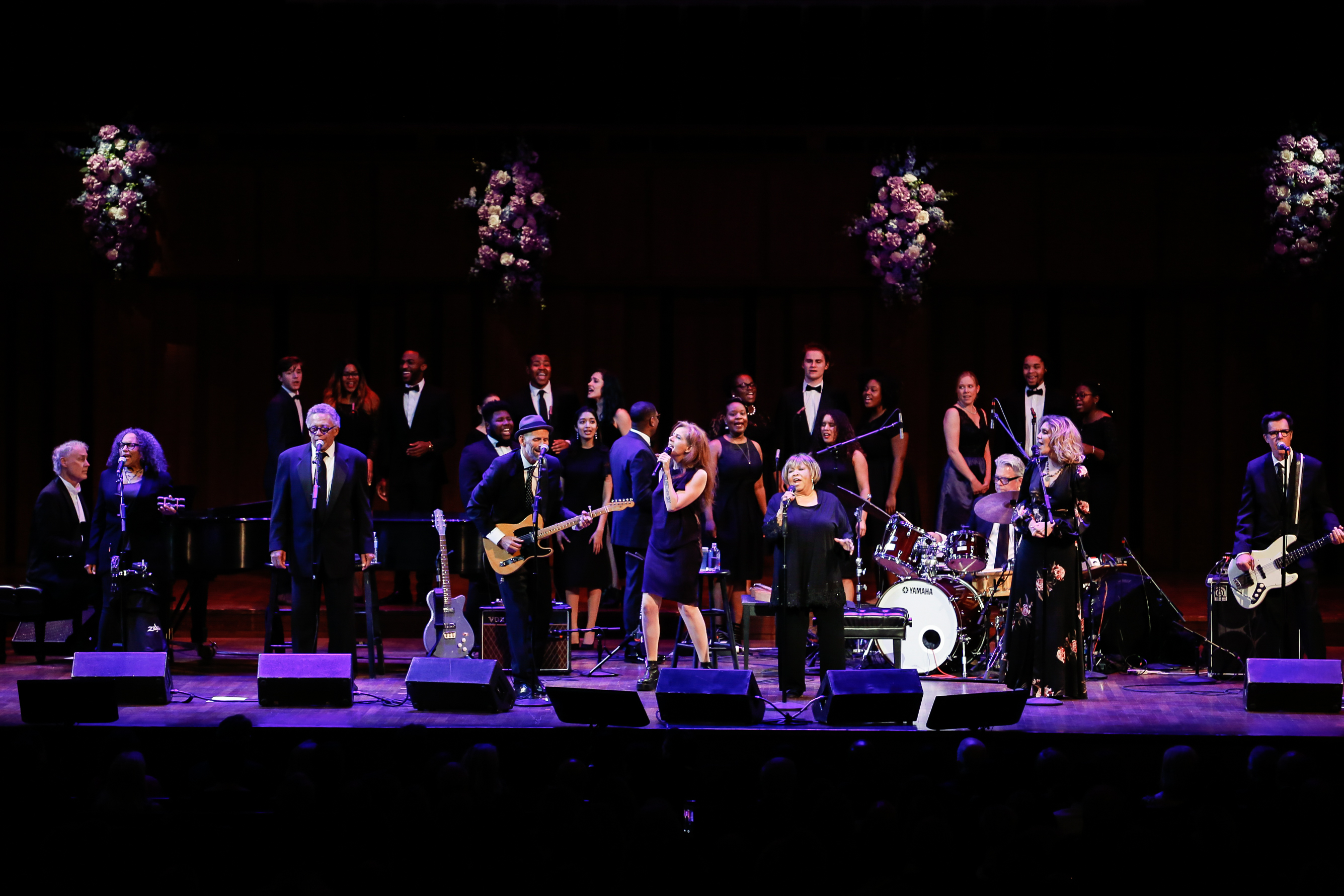 She was joined throughout the 12-song set by a five-person band (Rick Holmstrom, Vicki Randle, Donny Gerrard, Stephen Hodges and Jeff Turress) and special guests Neko Case, Bruce Hornsby and Alison Krauss.{ }(Image: Yassine El Mansouri for the Kennedy Center)