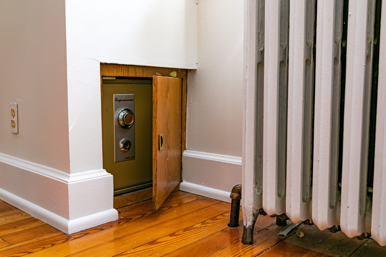 There is a safe. Unfortunately, there's no dramatic mystery as to what's in it; it's ready to store your important documents and valuables (or whatever you'd like to set up for our own mystery down the road). And no, we don't know the combination.{ }/ Image: Amy Spasoff // Published: 5.22.19