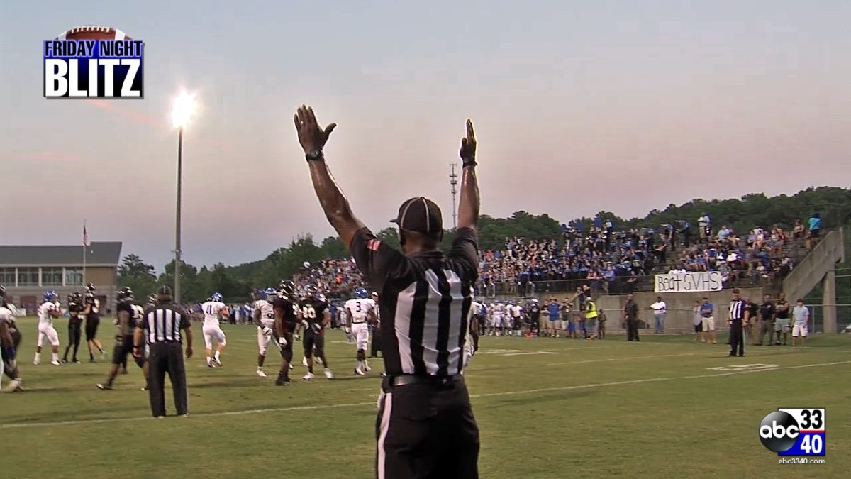 Referee signals a made field goal for Shades Valley in its game against Florence.