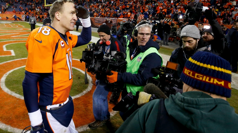 Manning brady to meet in afc championship game wjar denver broncos quarterback peyton manning leaves the field after the teams win against the pittsburgh steelers in an nfl football divisional playoff game m4hsunfo