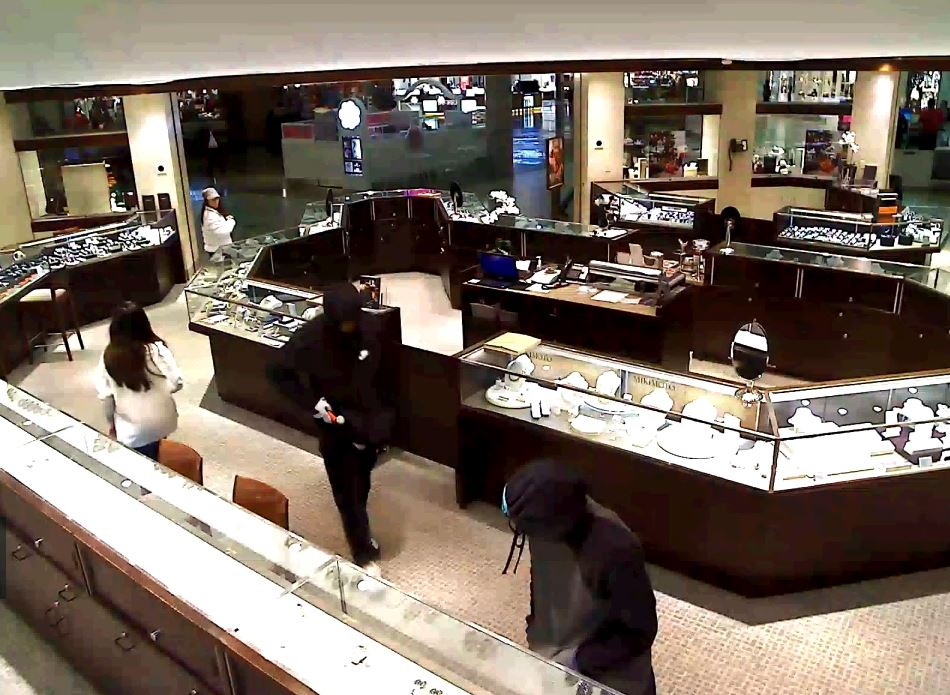 Police are searching for the suspects accused of a smash and grab at the Ben Bridge Jewelry Store at Alderwood Mall in Lynnwood Tuesday night. (Video stills courtesy Lynnwood Police){&amp;nbsp;}<p></p>