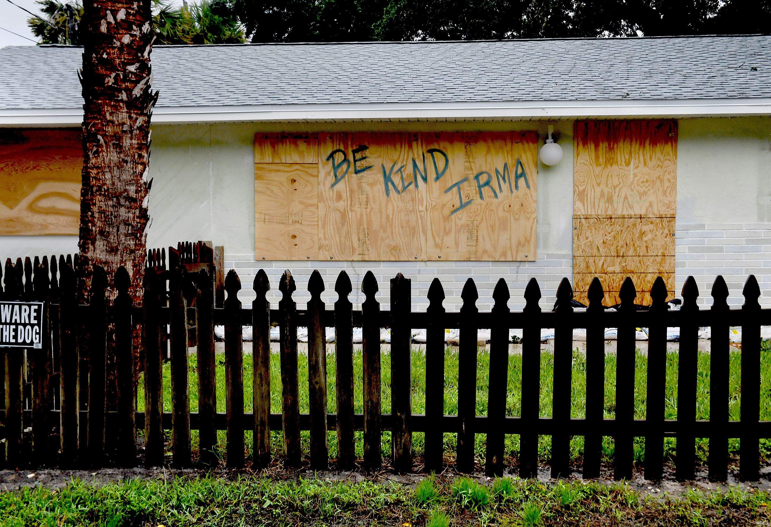 A homeowner in Bonita Springs, Florida, makes a plea to Hurricane Irma. MUST CREDIT: Washington Post photo by Michael S. Williamson