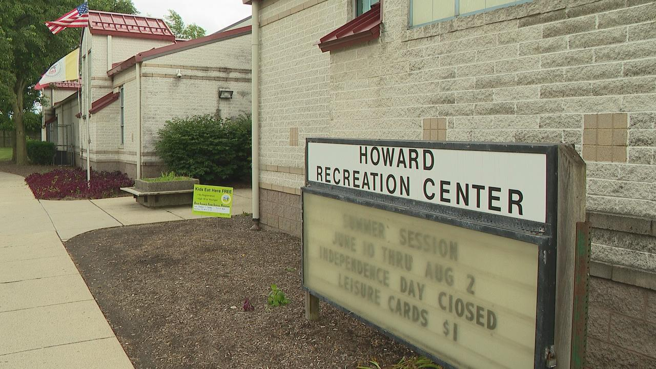 Some Columbus neighbors are heated about what they call inadequate air conditioning at their community recreation center. (WSYX/WTTE)
