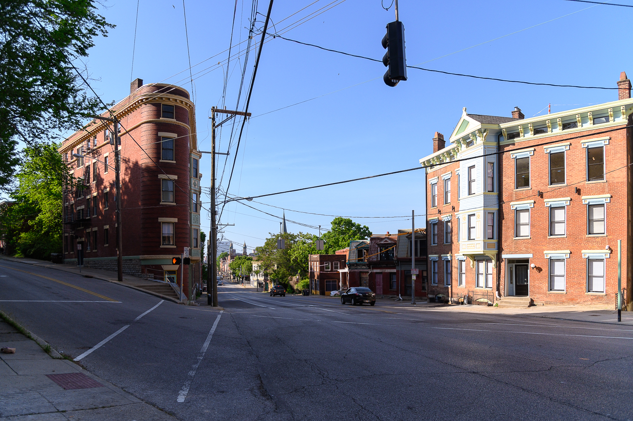 The corner of W. Clifton Avenue and Vine Street / Image: Phil Armstrong, Cincinnati Refined // Published: 5.9.19