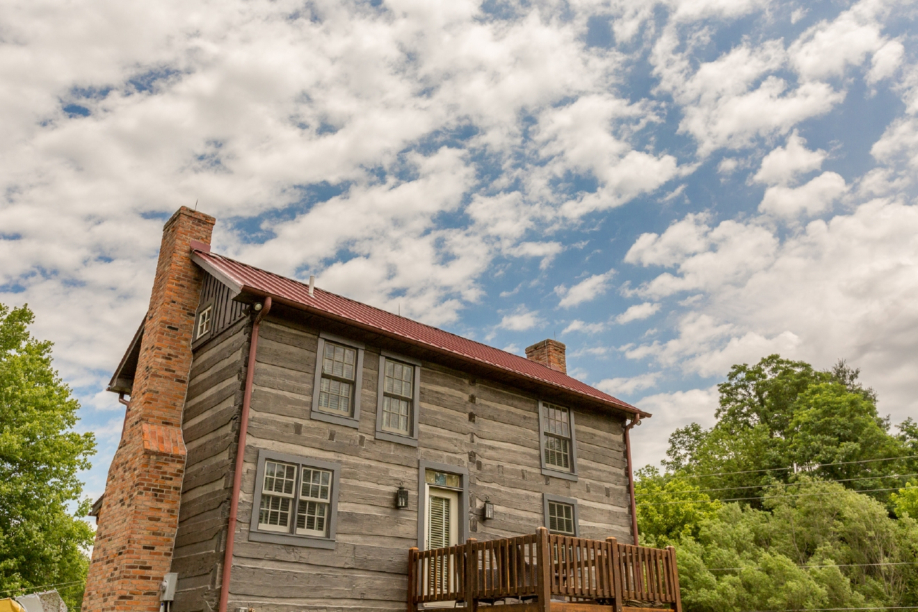 Burlington Willis Graves Bed and Breakfast Inn is located at 5825 N. Jefferson Street, Burlington, Ky. 41005. This is only a short drive from the CVG airport, FYI. / ABOUT THE INN: Accommodations consist of two buildings, a 1830s federal building and a restored 1850s log cabin. // IMAGE: Daniel Smyth Photography