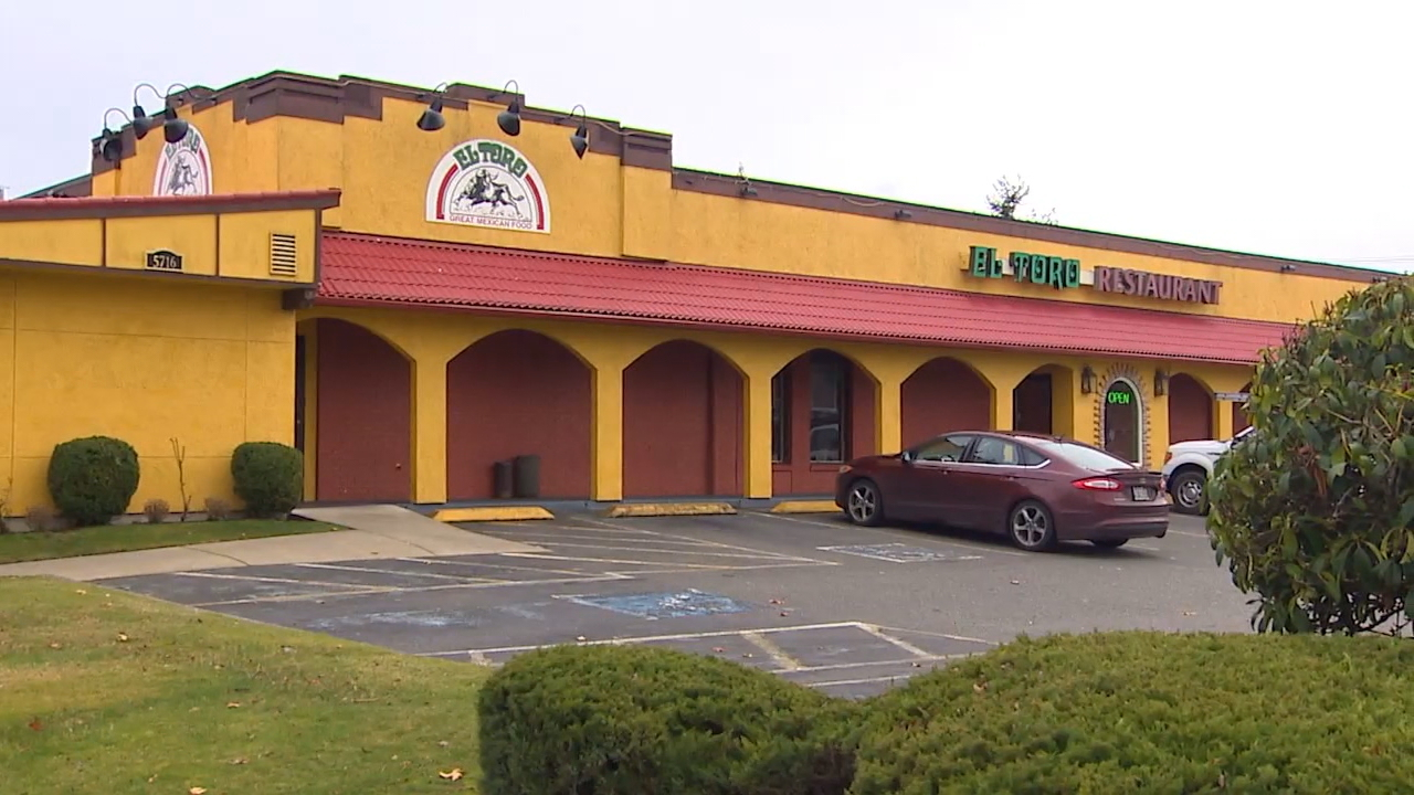 Health officials say 520 people have said they got sick after eating at this El Toro location in Tacoma. Several other cases have also been reported from people who ate at an El Toro in University Place. (Photo: KOMO News)<p></p>
