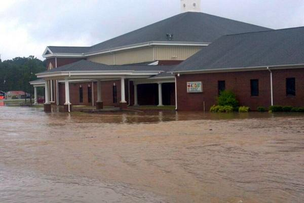 Leatherwood Baptist church flooding in Anniston From @thatgirlneeli