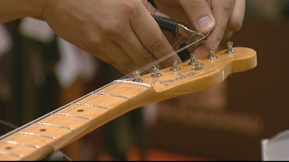 music store wants to keep guitar strings out of landfills wluk. Black Bedroom Furniture Sets. Home Design Ideas