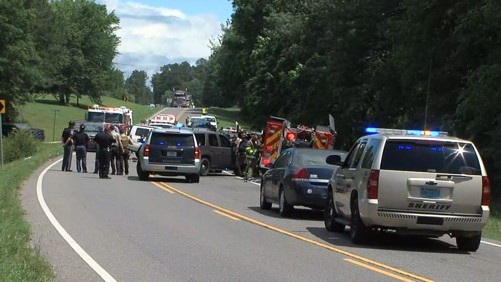 2 children, 1 adult killed in two-vehicle crash on Hwy 79 identified