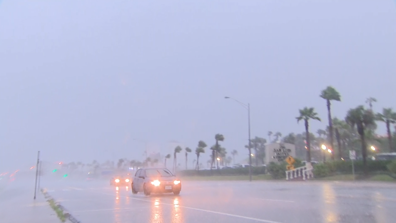 Wind and rain in in Galveston, TX as Harvey moves inland (CNN)