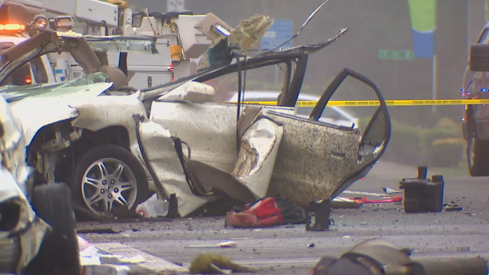 Everett car crash leaves 2 dead, including toddler | KOMO