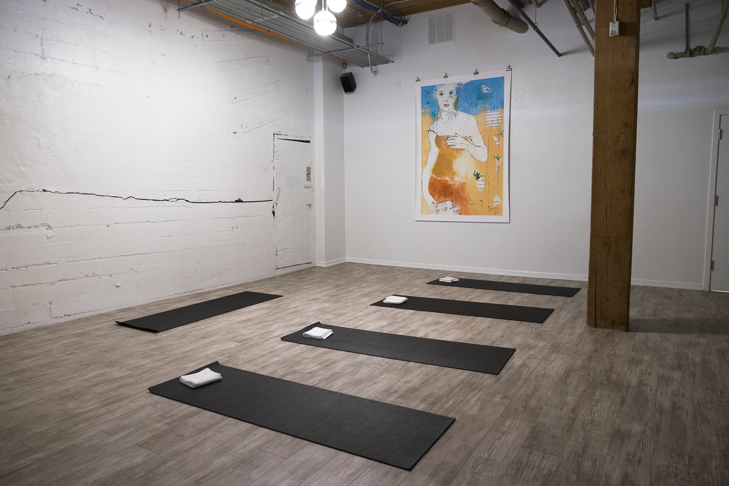 Yoga studio at The Riveter (Image: Paola Thomas/Seattle Refined)