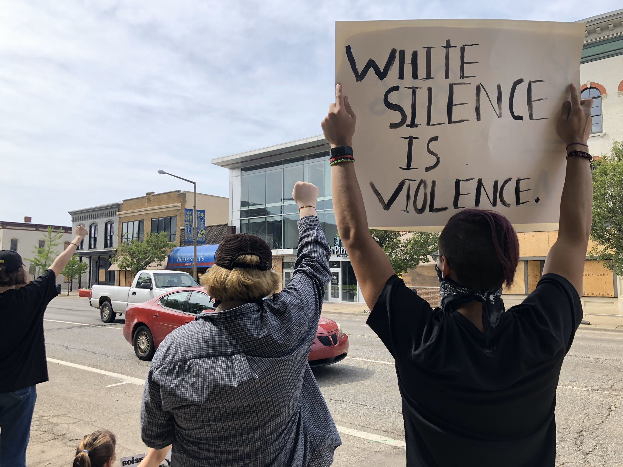 Vehicles honked support as they passed protests along Michigan Avenue in downtown Kalamazoo June 3, 2020. (WWMT/Genevieve Grippo)