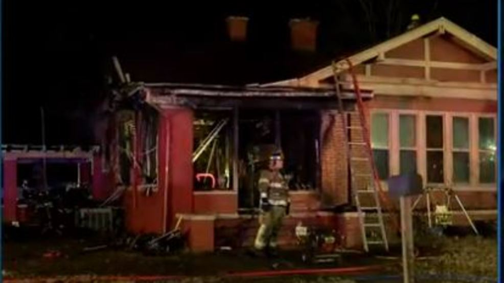 Child alerts adults to early morning house fire in Scott City, MO (kfvs).JPG