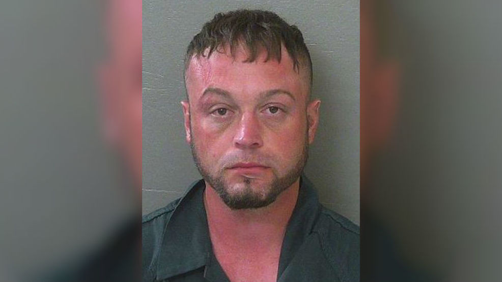 Shirtless Pensacola man arrested for going house to house looking for someone to fight