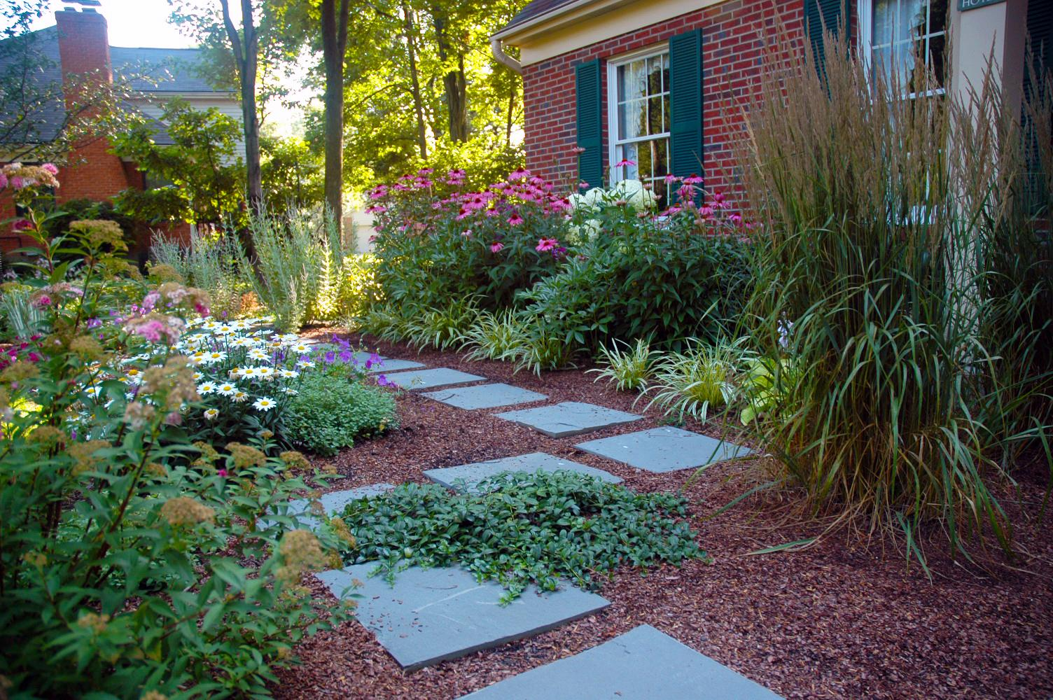 LaMond Design is a full-service landscaping company in Cincinnati. They will help you through every stage of the project, from designing to installing to maintaining. / Image courtesy of LaMond Design // Published: 4.14.17