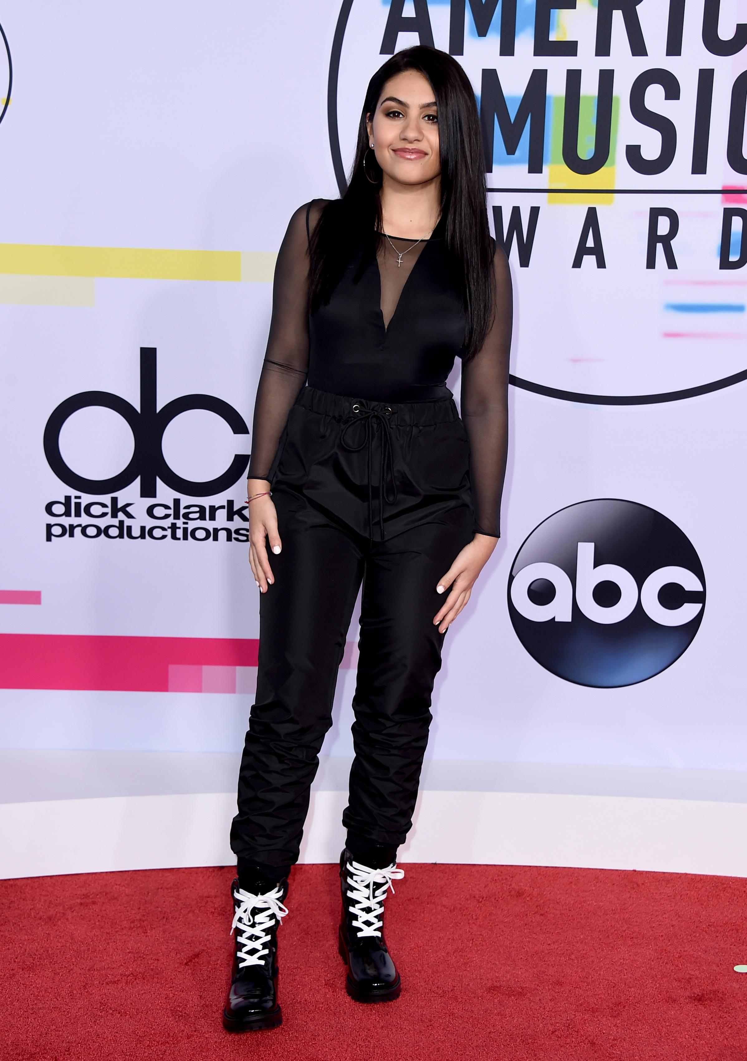 Alessia Cara arrives at the American Music Awards at the Microsoft Theater on Sunday, Nov. 19, 2017, in Los Angeles. (Photo by Jordan Strauss/Invision/AP)