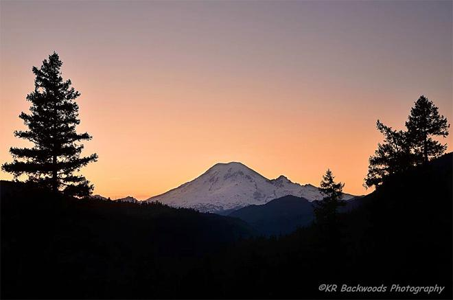 Sunset behind Mt Rainier, viewed from White Pass (Photo: KR Backwoods Photography)