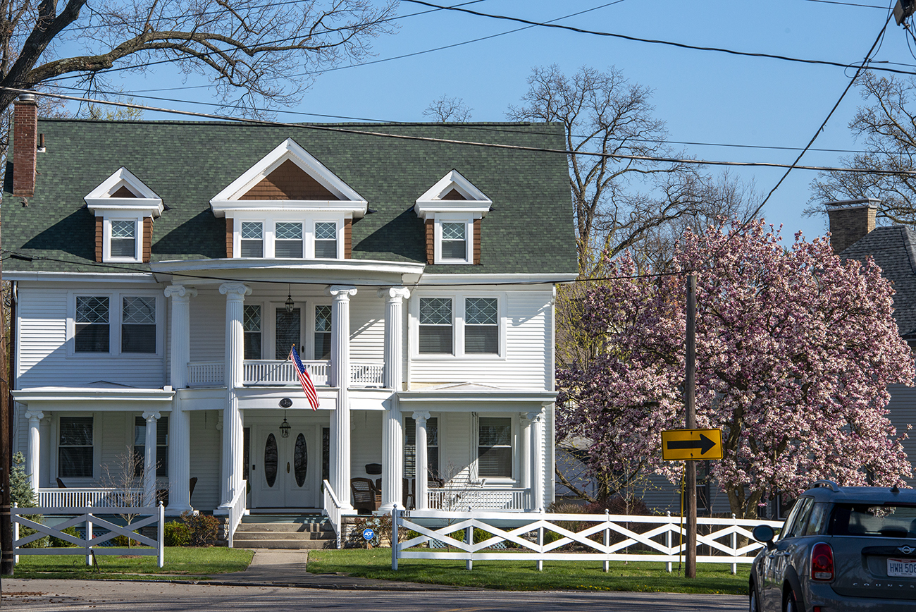 Floral Avenue within the Norwood Presidential District is home to many other building styles, too, such as this Colonial Revival house. / Image: Joe Simon // Published: 4.22.20