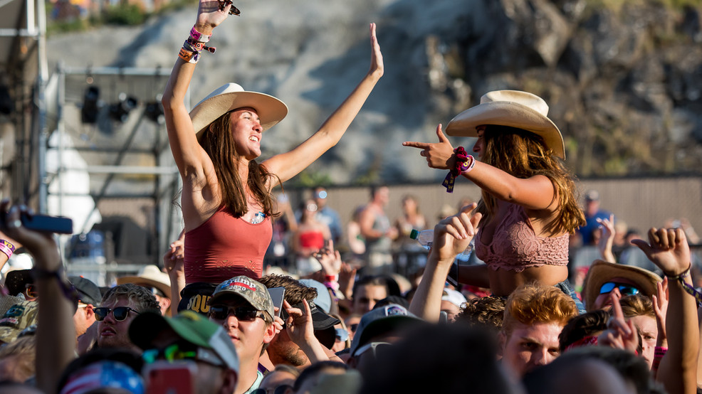 Fans at Watershed 2019 - 235.jpg