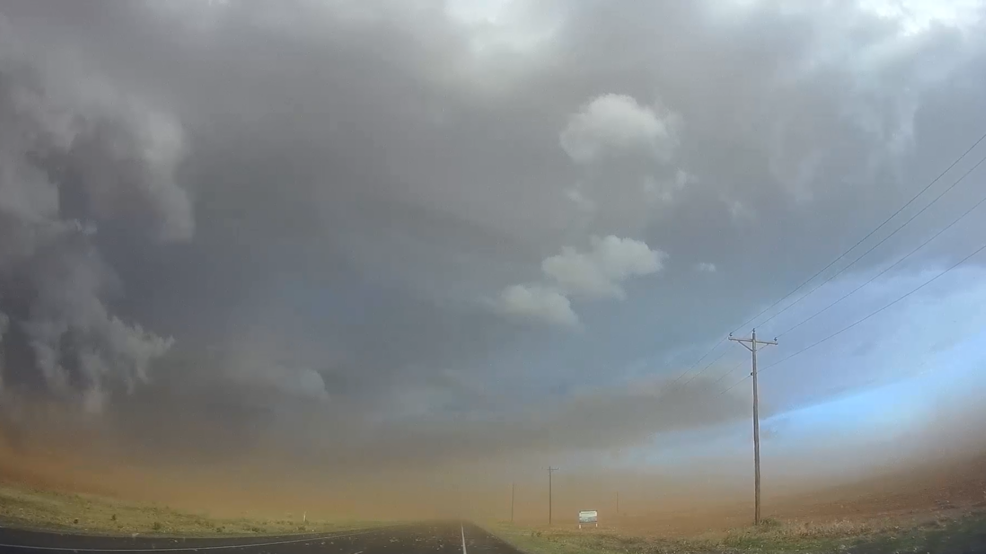 Inside the Storm: Beautiful footage of blue sky highlighting huge gustnadoes in Texas
