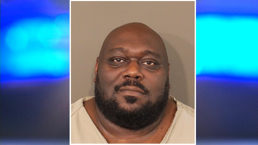 Actor/comedian Faizon Love was charged with assault after a reported fight at John Glenn airport (Courtesy: Franklin County Jail)
