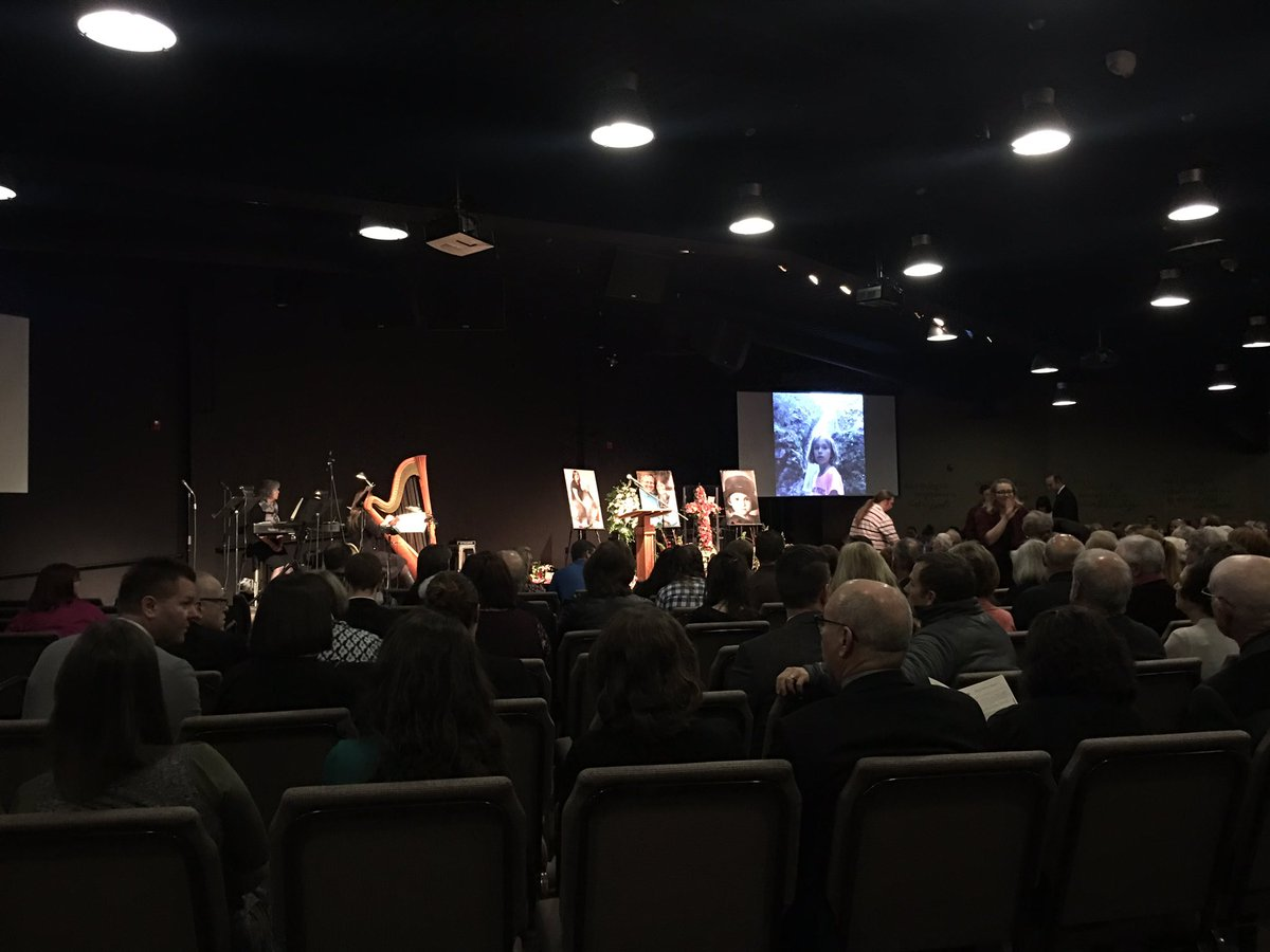 The Roseburg community came together November 18, 2017,  to remember the victims of a triple homicide that happened earlier this month in the Lookingglass area. (SBG)