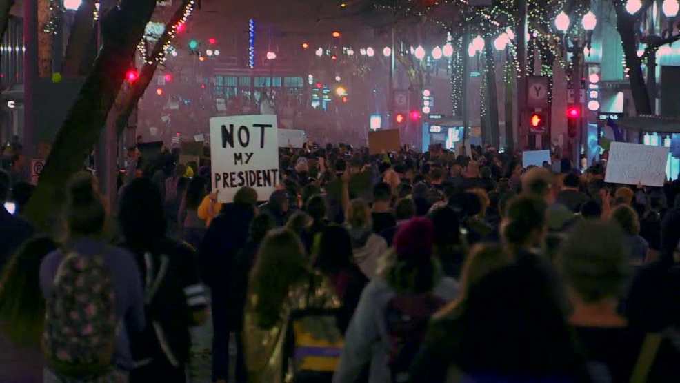 S 90 3 >> Protests resume in Downtown Portland following Trump's ...