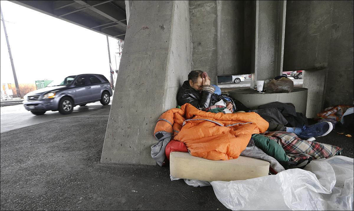 seattle in uncharted territory as homelessness spikes komo aaron benedict morman wakes up in a nest of sleeping bags and a foam pad beneath