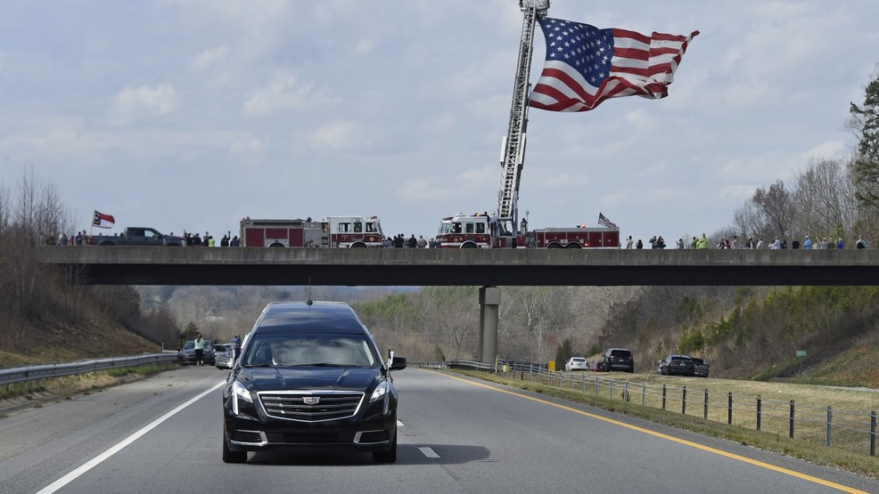 PHOTOS: Billy Graham motorcade procession from Asheville to Charlotte