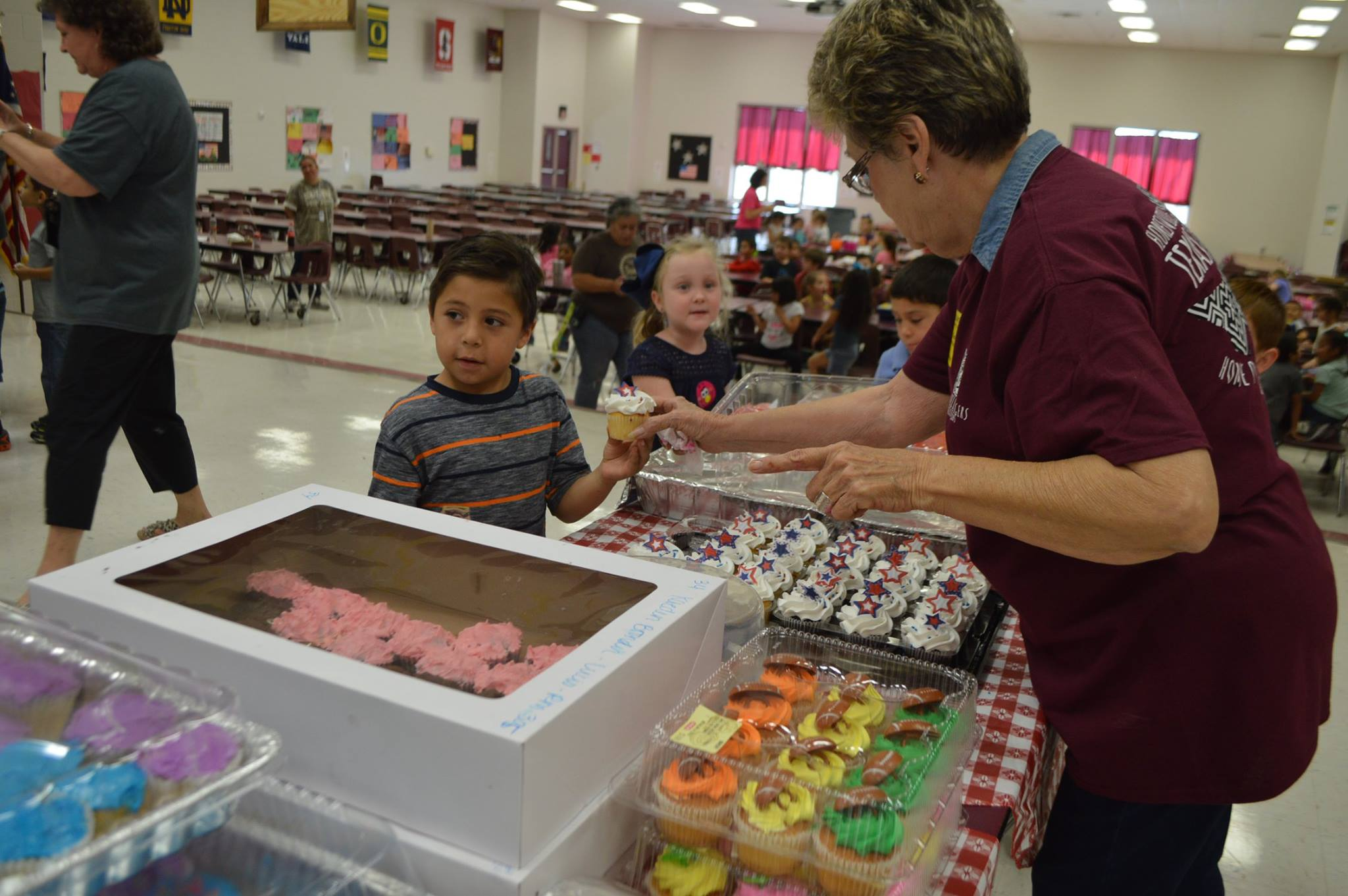 Classmates raise hundreds of dollars for Ryland Ward with sweet 'Cupcakes for Ryland' (Photos: Floresville ISD / Facebook)