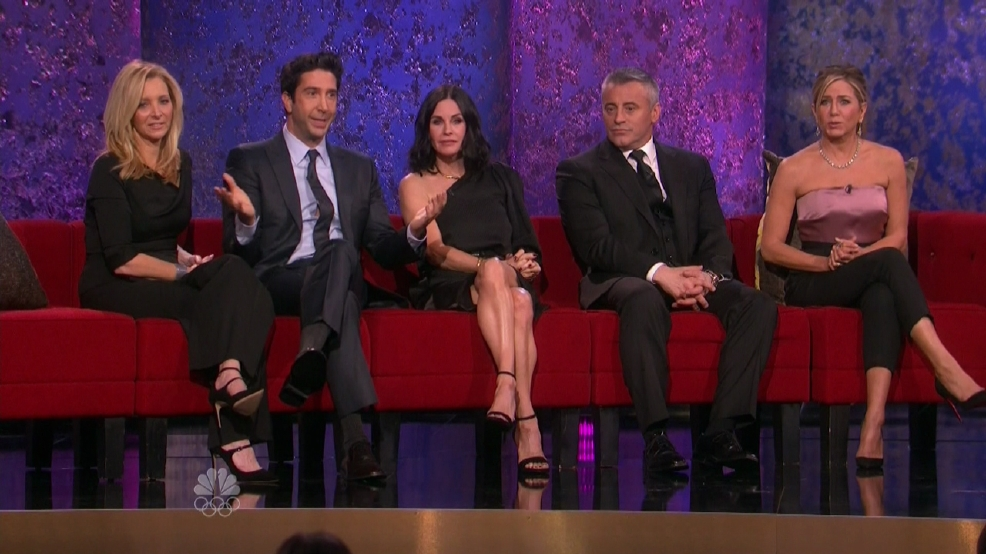 Lisa Kudrow and Courteney Cox dominate 'FRIENDS' trivia