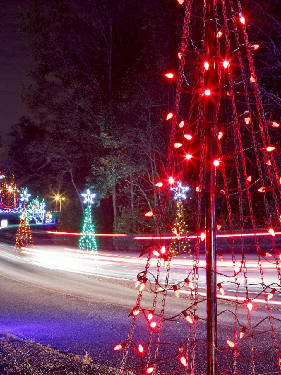 Season Holiday Lights Driving Tour