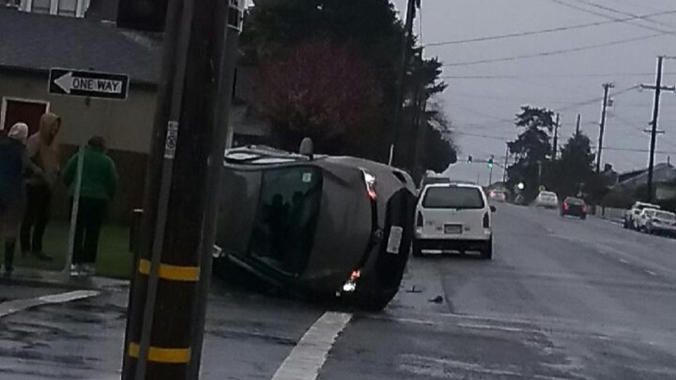 EPD: Crash at Wabash Ave  and I St  causes sedan to roll over | KRCR
