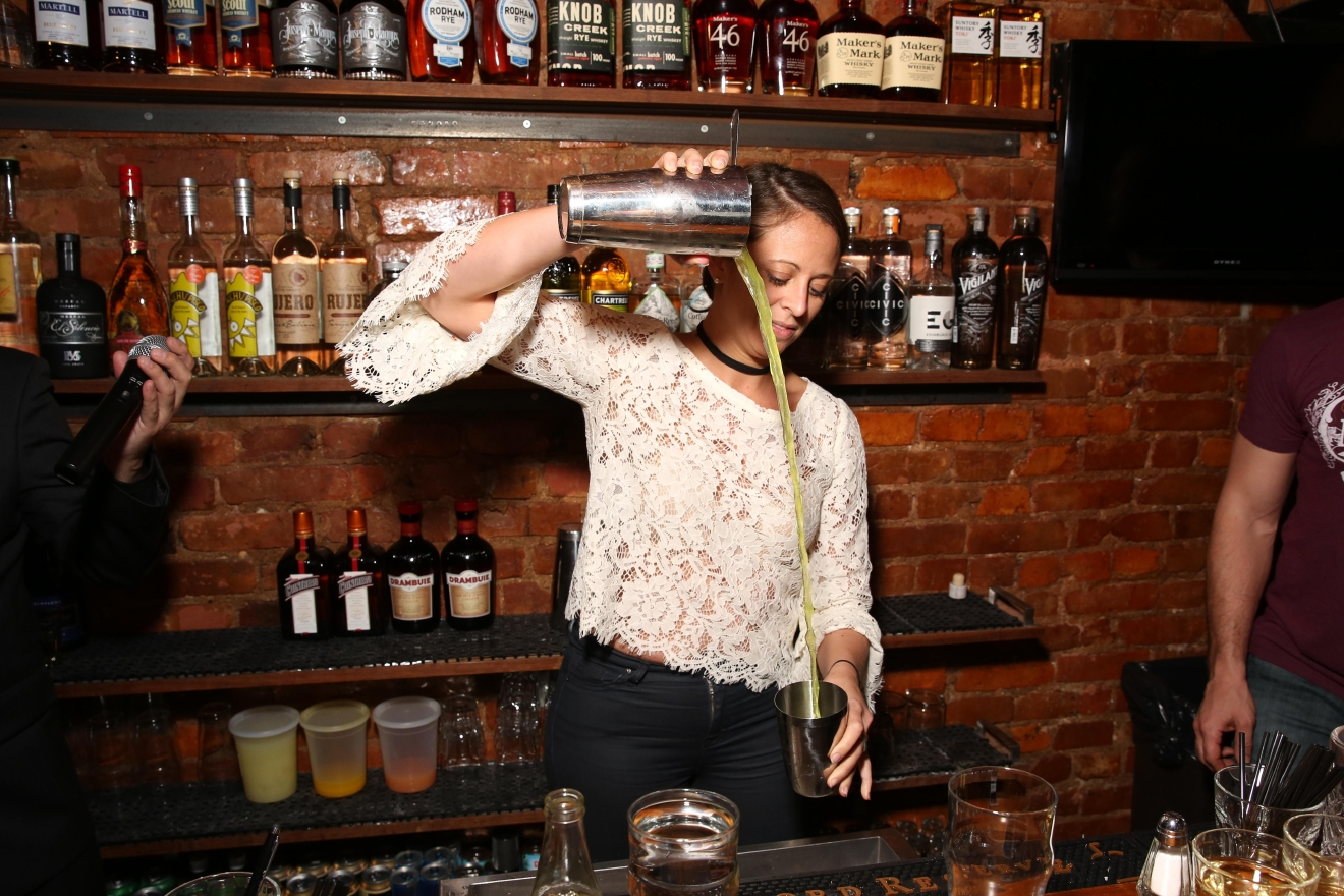 Pamela Wizintzer showed off her own skills behind the bar. (Amanda Andrade-Rhoades/DC Refined)