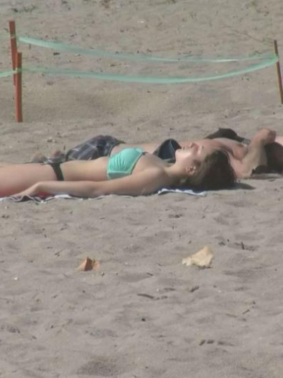 Beach nude pics