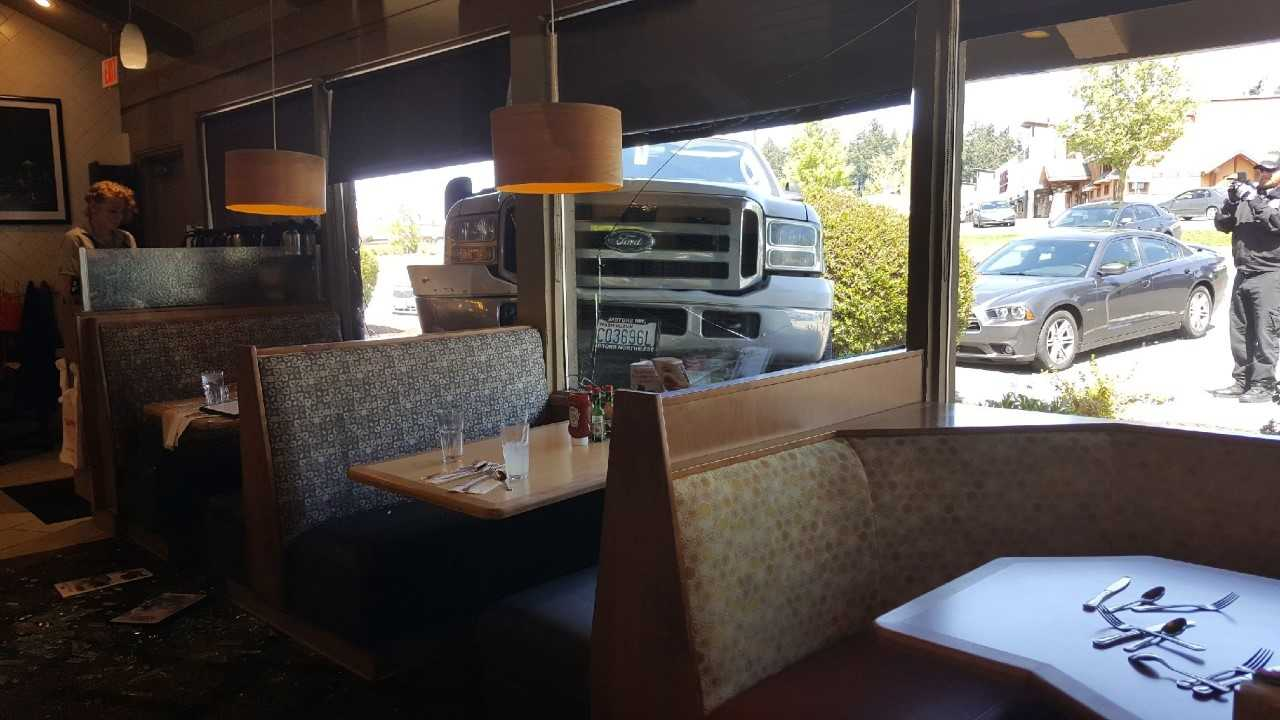 A pickup truck crashes into a Shari's restaurant in Tacoma (Photo: Bonnie Helms)
