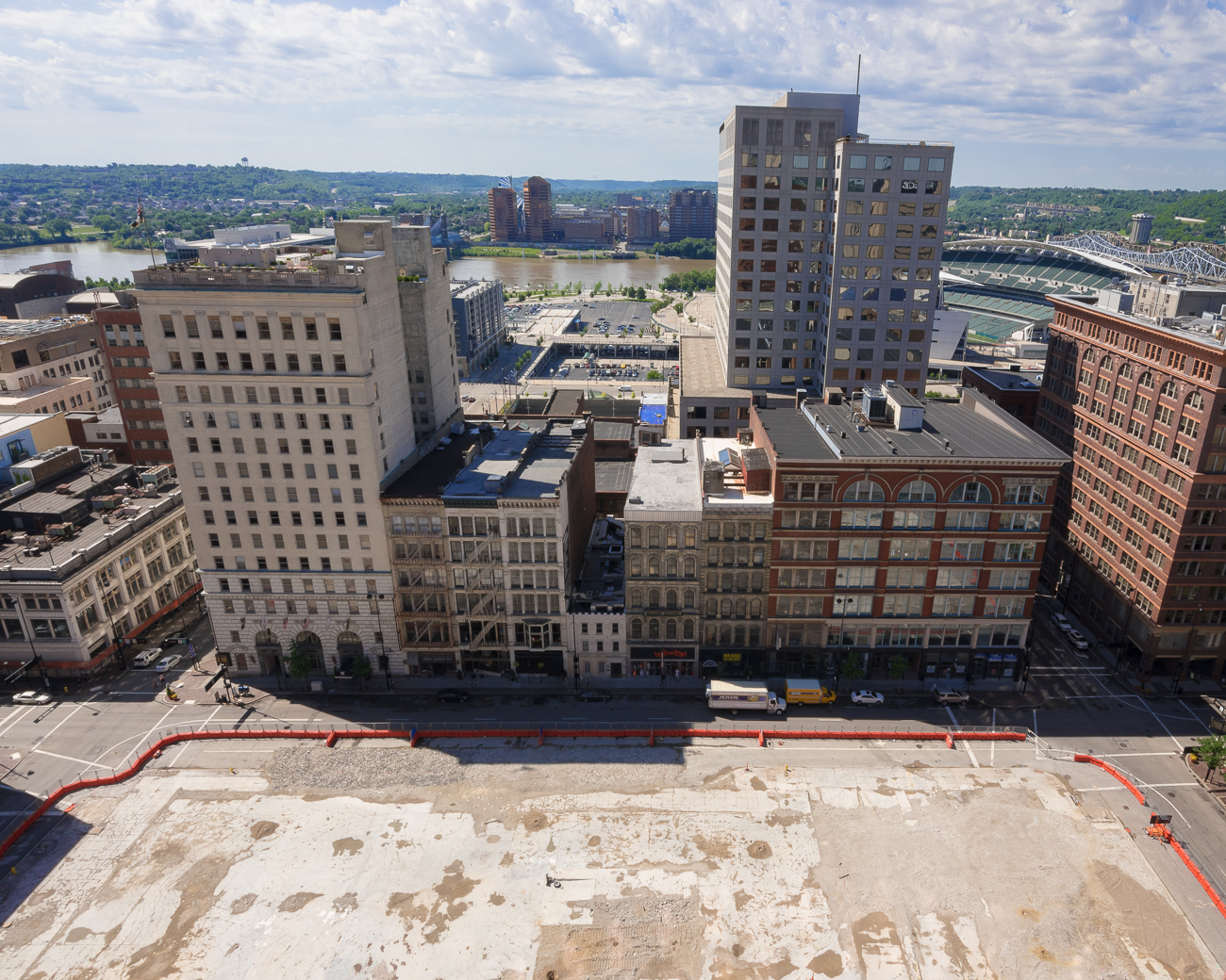 4th Street has a giant hole waiting to be developed / ADDRESS: 4th Street between Race and Elm Streets / Image: Phil Armstrong, Cincinnati Refined // Published: 4.23.18