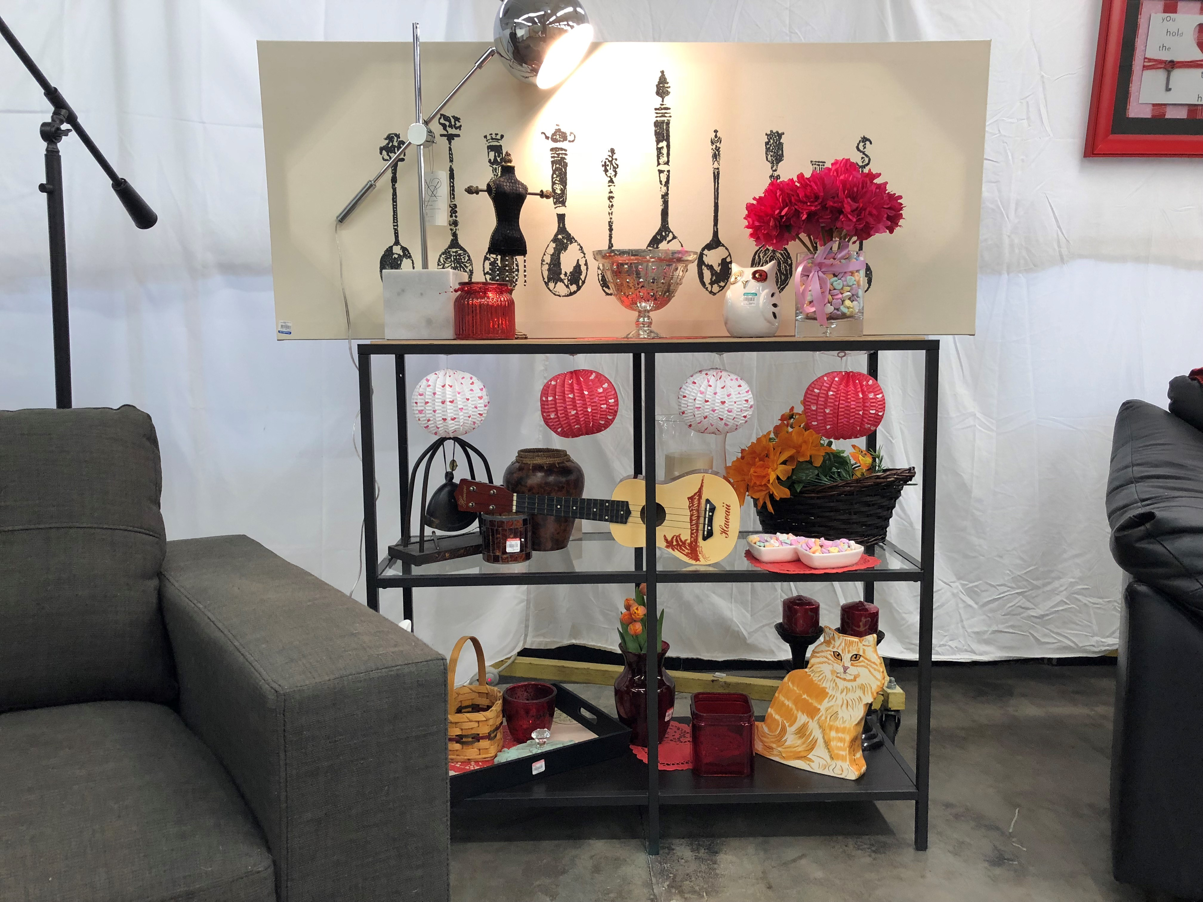 Seattle Goodwill's DIY Guy Gary Foy shares his budget friendly tips for creating a romantic tablescape, Galentine's Day party, conversation heart vase, glitter bottle and more! (Seattle Refined){&amp;nbsp;}<p></p>
