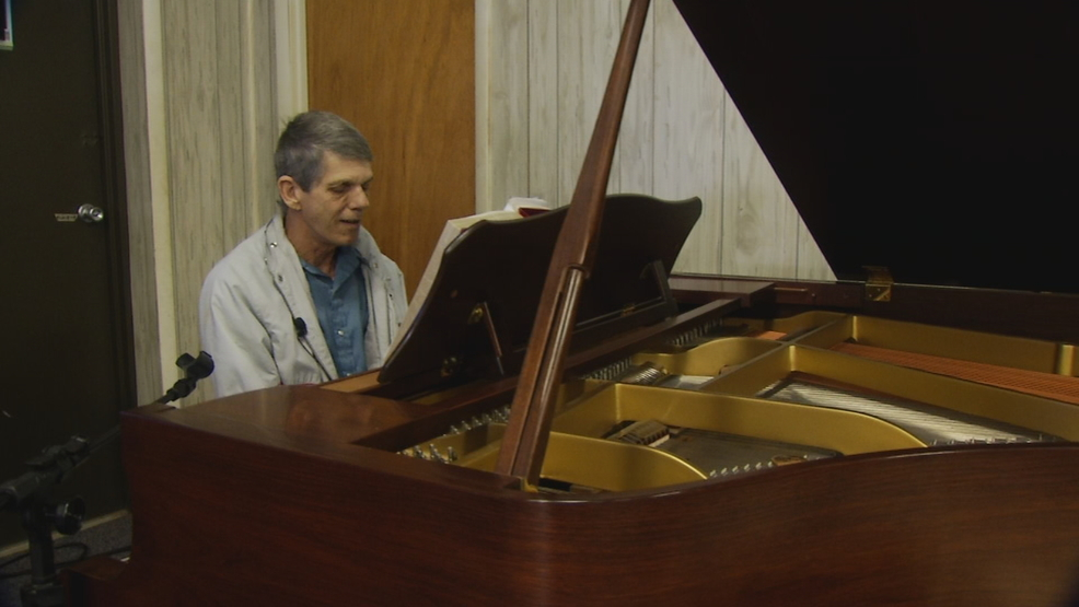 Pianist pays tribute to Graham and his family